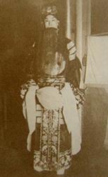 1937年张伯驹先生为河南灾区赈灾义演剧照