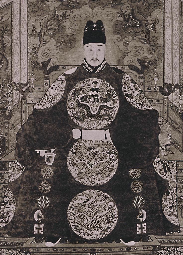 明穆宗隆庆皇帝朱载垕像
